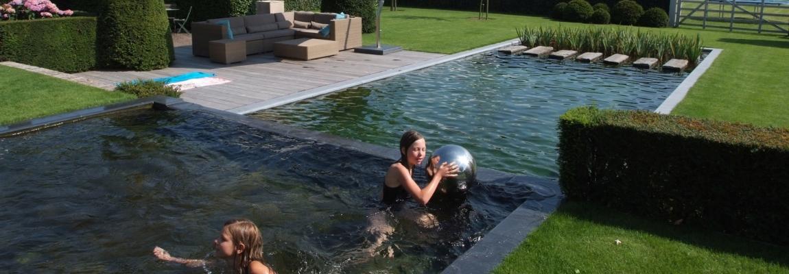 Luonnonmukainen uima-allas ilman kemikaaleja